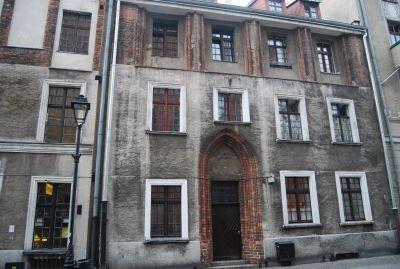 Hus i gotisk stil.