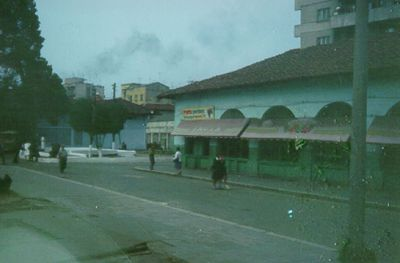 Tidig morgon i Tirana.